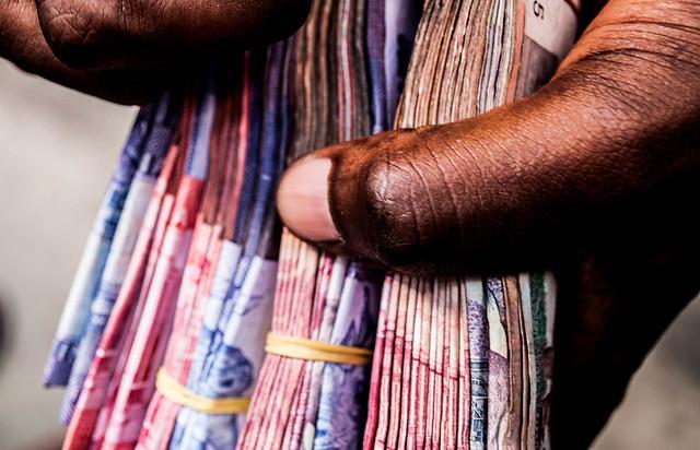 12 Valuable Ways for Saving Money in Nigeria